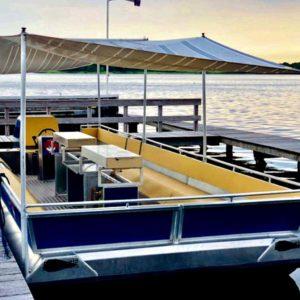 Grillo-Floß für bis zu 20 Personen, 2 große Grill-Flächen, gepolsterte Sitzbänke, ausleihen bei Floß & los! Rummelsburg